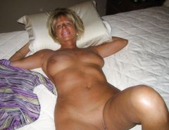 More mature wives and moms posing and being used #30059379