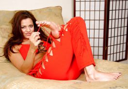 Candice Michelle sucks her toes, shows her feet & big boobs