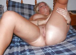 Mature wives and moms posing and being used #23870143