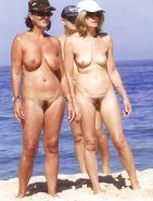 Mature women on the beach! Amateur! #25116142