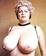VINTAGE RETRO MATURE MILF WITH BIG BOOBS