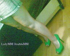 LadyMM Italian Milf Public walk Green HIGH hell foot fetish