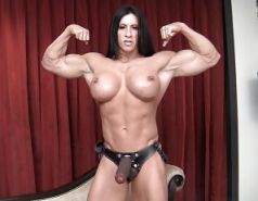 Muscle Girls Strapon