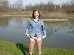 Outdoors public nudity voyeur panties - Nackt in der Natur #40784295