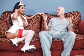 Wooing nurse Romi Rain gets fucked for a creamy cumshot on her face