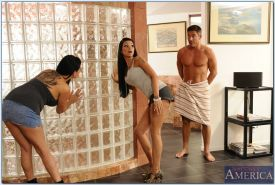 Hot gals Raven Bay & Tory Lane enjoys a threesome groupsex