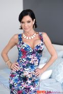 Chesty brunette lady Veronica Avluv flaunting her big topless juggs