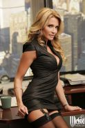 Babe Jessica Drake demonstrates her truly amazing naked body