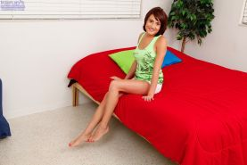 Tender and gentle amateur teen Chase Ryder is flossing her kitty