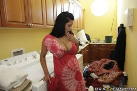 Busty MILF Sophia Lomeli fucks in the kitchen and takes a thick facial