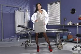 MILF solo girl Ava Addams releasing big boobs from doctor uniform