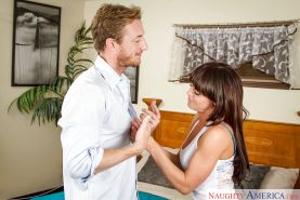 Big-tit milf Rahyndee James is getting banged in her mouth