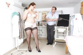 Stunning mature lady in glasses gets her bushy twat examed by gyno