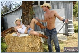Tattooed cowgirl with big round tits Christy Mack gets banged outdoor