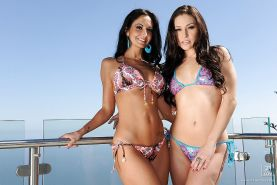 Ava Addams & Gracie Glam make some hot lesbian action outdoor