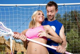 Big tits cutie Kayla Kayden gets nailed outdoor after doing sports