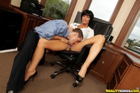 Short haired MILF Shay Fox fucks and gets jizzed in her office