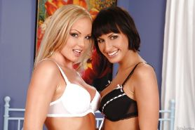 Silvia Saint is licking shaved pussy of slender Veronica Vanoza