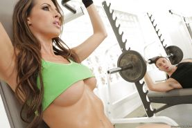 Big tits slut Kortney Kane is doing some sports with her personal trainer