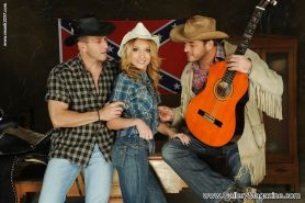 Skinny Euro pornstar Nataly Von has a wild threesome with two cowboys