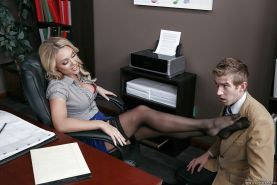 Blonde secretary Alexis Monroe having nylons removed for toe sucking