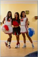 Ebony lesbians Ana Foxxx, Leilani Leeane, Skin Diamond strip together