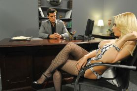 Hot office chicks Alexis Texas & Madison Ivy sharing a hard shaft