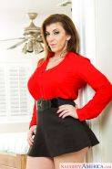 Curvy MILF Sara Jay strips off short skirt and blouse after work