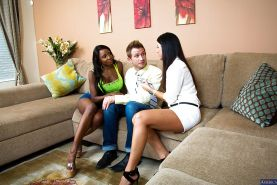 Ebony milf Diamond Jackson has threesome with India Summer