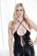 Blonde milf in latex Danielle is showing her ass and pussy too