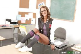 Well-graced schoolgirl Presley Hart is a teen everybody would lick