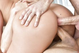 Blonde pornstar AJ Applegate taking hardcore double penetration