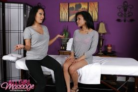 Asian babe Asa reaady to give ultimate lesbian pleasure with a massage