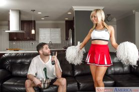 Cheerleader Tasha Reign gives a spicy deep blowjob after dancing