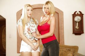 Leigh Darby sticks playful tongue into Samantha Rone's shaved cave