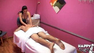 London Keys is doing a massage that includes some cock sucking