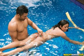 Latina milf Thais is spreading her pussy and has hardcore sex in pool