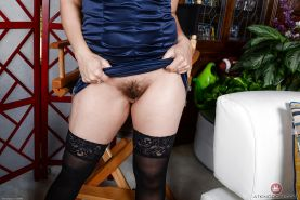 Stocking attired Latina babe Sheena Ryder flaunting hairy MILF pussy