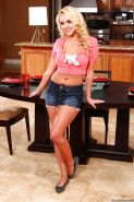 Blonde milf Alexis Monroe is showing off in her jeans shorts
