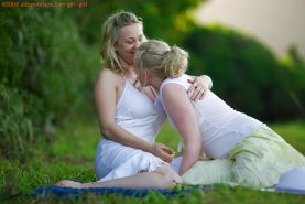 Young blondes Anneke and Sue-Ann make love during outdoor lesbian sex