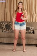 Amateur plumper Cali Hayes masturbating teen pussy on casting couch