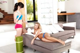 Flexy babe with big tits Holly Michaels making out with her lesbian friend