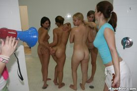 Lesbian orgy with beautiful babes lick each other out while in bathroom