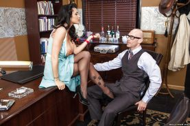 Hot lady in stockings Romi Rain gets nailed on her office desk