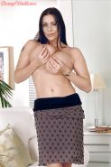 Ample amateur Linsey Dawn McKenzie juggles her huge breasts and fingers pussy