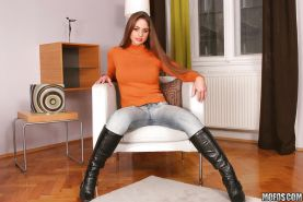 European vixen in jeans Cathy Heaven stripping and spreading her legs