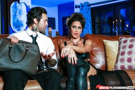 Brunette MILF Jessica Jaymes getting banged in long leather boots