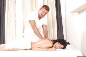 Hot MILF with big bosoms Diana Prince gets slammed on the massage table