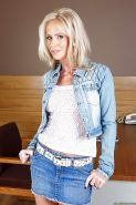 Blonde milf babe Simone Sonay enriches upskirt genre with new flick