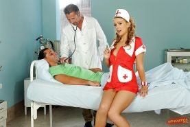 Fuckable babe in nurse uniform Roxie gets double penetrated